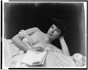 woman_read6_mazoni