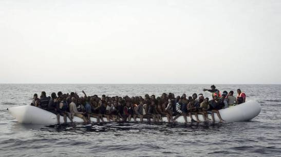 01-fluechtlinge-boot